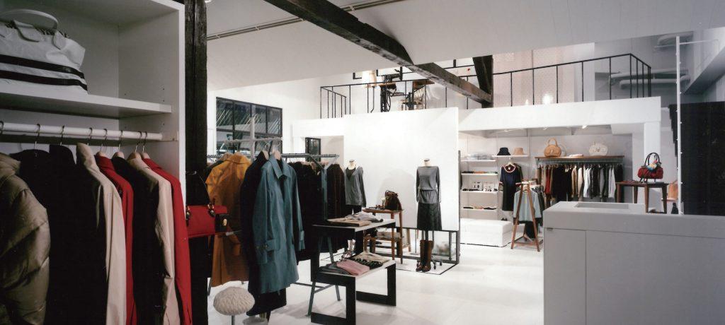 アパレルの店舗デザイン内装プロデュース事例|ワールドグループのanaterier(アナトリエ)神南店の店舗画像