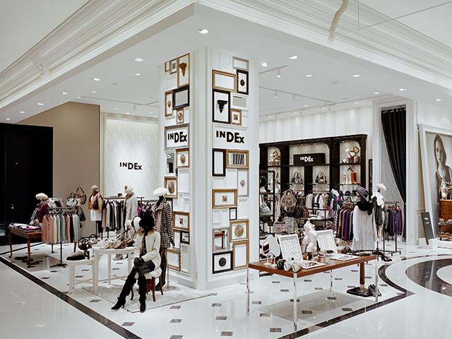 アパレルの店舗デザイン内装プロデュース事例|ワールドグループのFLAXUS(フラクサス)イオンモール名取店の店舗画像