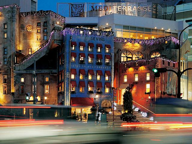 総合ファッションサービルグループ、ワールドグループのファッションライフストア「MEDITERRASSE(メディテラス)」が展開する、神戸三宮メディテラスの店舗デザイン、外観、VMD