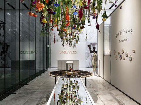 総合ファッションアパレル企業、株式会社ワールドのレディースブランド、UNTITLED(アンタイトル)の展示会、VMD、ディスプレイ