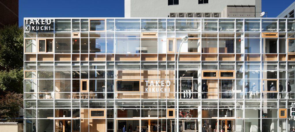 アパレルの店舗デザイン内装プロデュース事例|ワールドグループのTAKEO KIKUCHI(タケオキクチ)渋谷明治通り本店の店舗画像