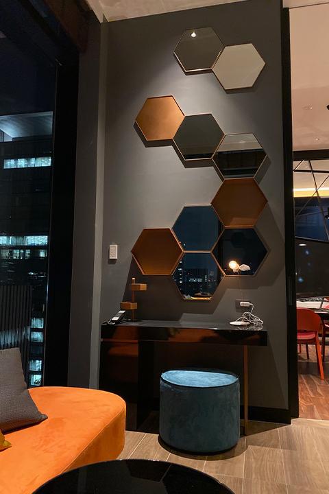 株式会社ワールドスペースソリューションズが製作した大阪エクセルホテル東急の家具・モチーフ