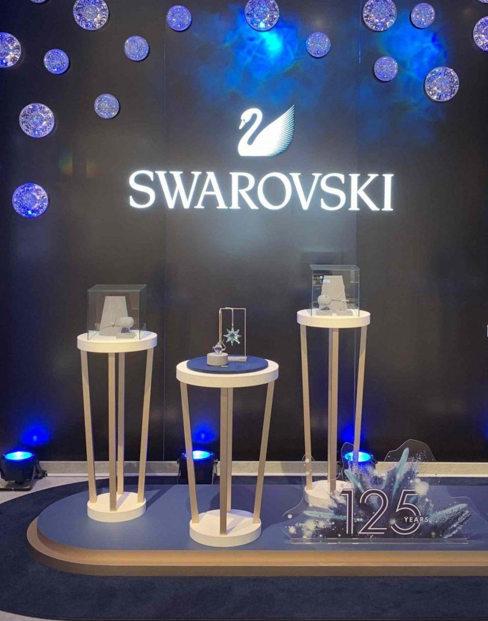 株式会社ワールドスペースソリューションズがサポートしたスワロフスキー銀座旗艦店のVMD事例