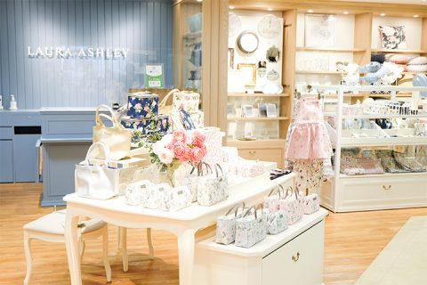 LAURA ASHLEY(ローラ アシュレイ)東武百貨店池袋店の什器製作事例