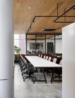 タケオキクチを展開する株式会社エクスプローラーズトーキョウのオフィスデザイン・リノベーション事例